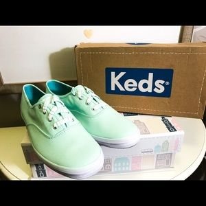 Keds Shoes - NEW In Box!! Teel KEDS!!